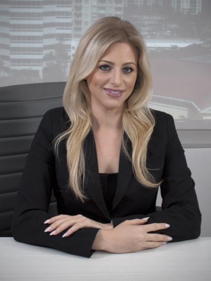 Elizabeth Schoenthal Florida Attorney - sitting image