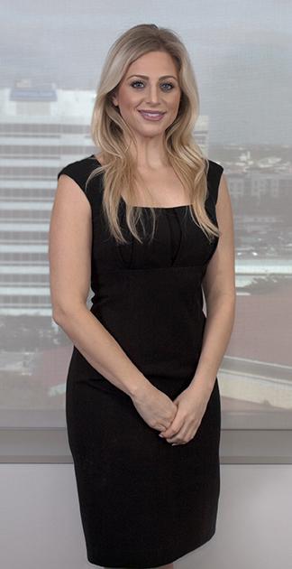 Elizabeth Schoenthal Florida Attorney - standing image